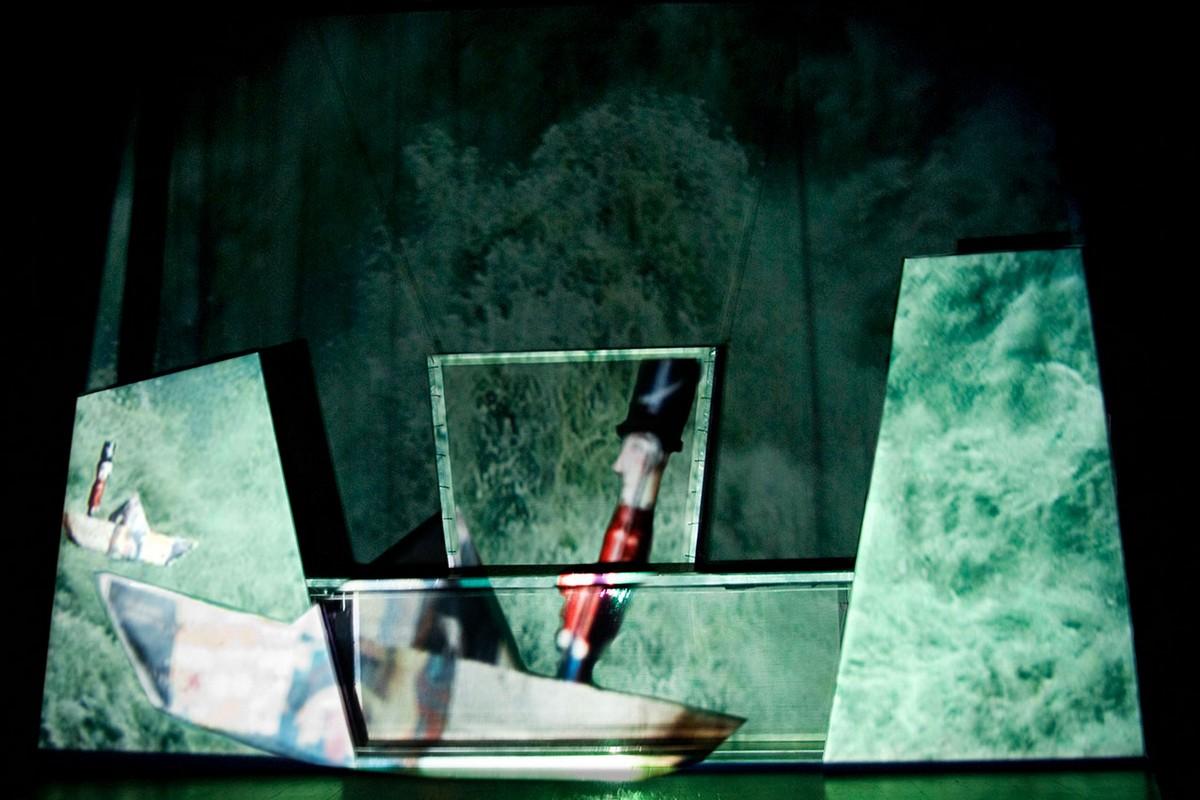 In punta di piedi-Compagnia teatroBlu